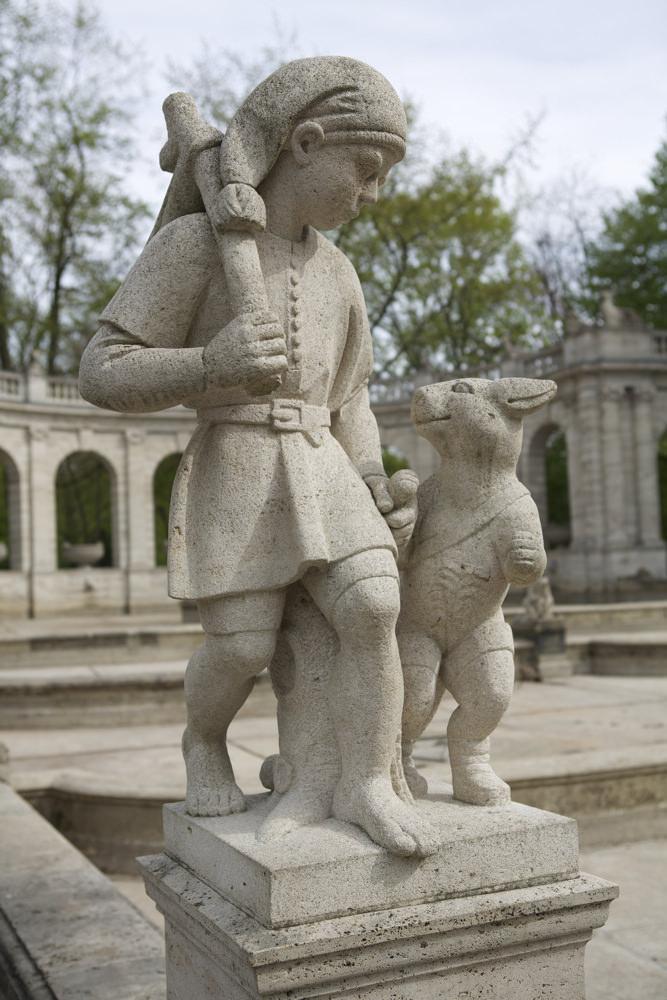 Volkspark Friedrichshain - Der gestiefelte Kater