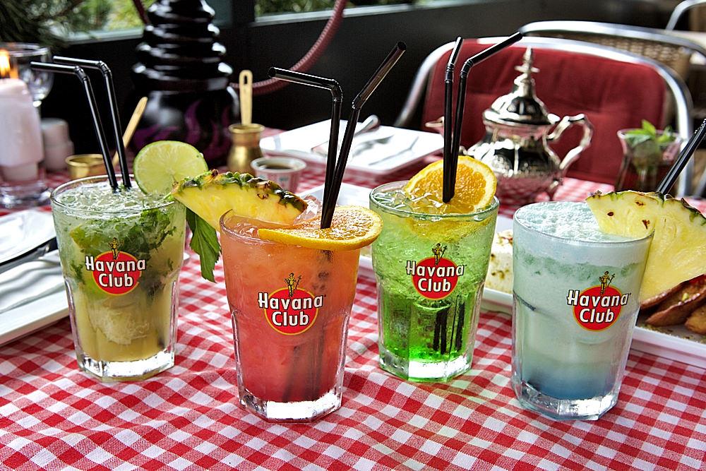 Cocktailbar Berlin Mitte - Cocktails Alexanderplatz - Restaurant Qadmous