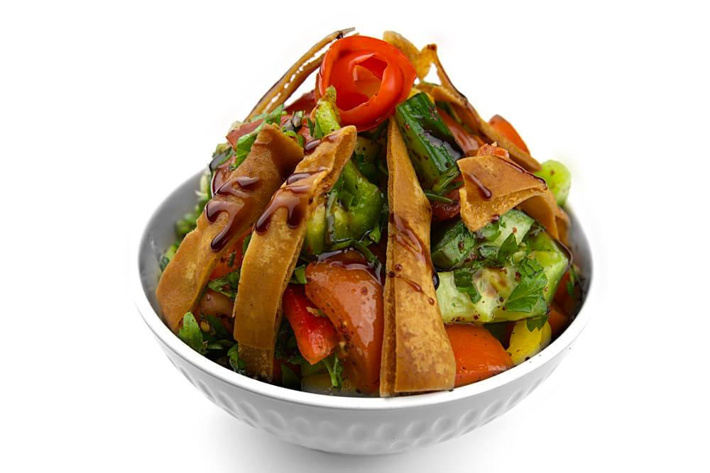 Fattoush Salat | Frittiertem Fladenbrot | Libanesische Küche Berlin
