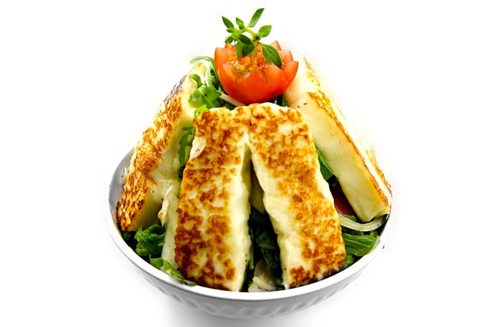 Halloumi Salat | Bratkäse auf Rucola | Libanesische Küche Berlin