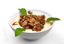 Hummus Bil Lahme | Pürierte Kichererbsen mit Lammfleischspitzen | Libanesische Küche Berlin | Qadmous