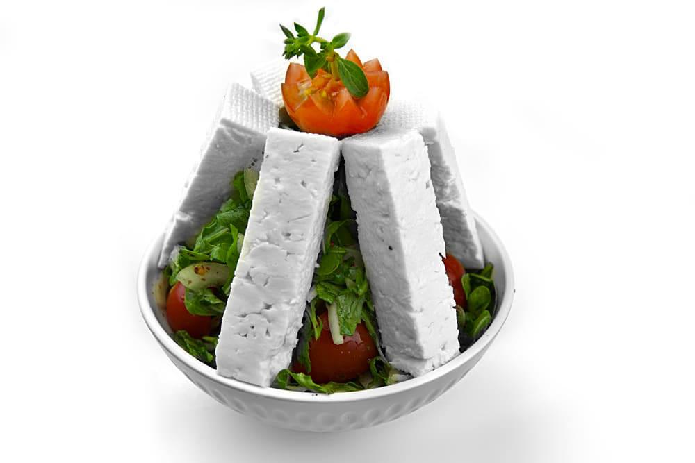 Jibneh Baida Salat | Schafskäse mit Rucola | Libanesische Küche Berlin